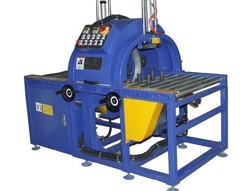 Semi-automatic horizontal wrapping machine